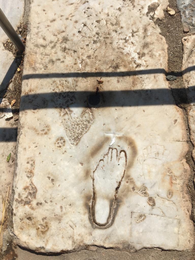 Efes Ayak İzi Reklamı